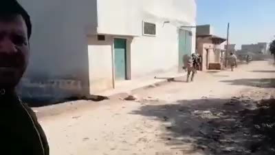 قوات الجيش التركي تبدأ باقتحام بلدة النيرب بريف إدلب الشرقي، 20 فبراير 2020